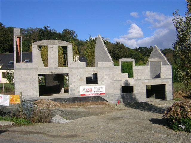 Construire sa maison sur le roc for Construire une maison en zone n